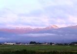 朝日を受けて輝く常念岳