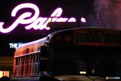 バスの向こうには・・・Part 2