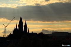 降り注ぐ陽の光とホグワーツ城