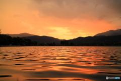 京都とある池の夕暮れ