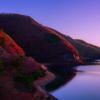 朝焼けの湖畔