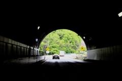 長野県 姨捨に行く前のトンネル