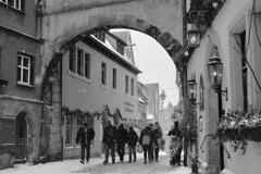 雪の街のアーチ