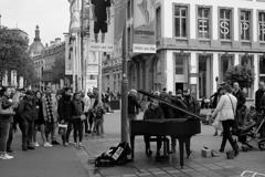 アントワープの路上ピアニスト