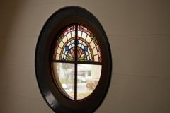 豊橋公会堂のステンドグラス