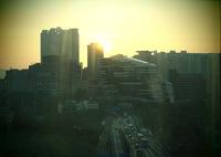 OLYMPUS E-M5MarkIIで撮影した(ホテルの部屋からの朝陽)の写真(画像)