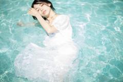 「水の愛、輝き心の音波」2