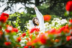「何度踏まれても負けない花のように咲き強さ」