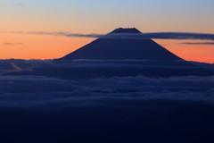 朝焼け空と蒼き富士