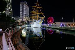 日本丸 starboard-reflection