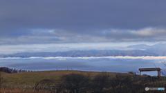 山脈に打つ寄せる雲波