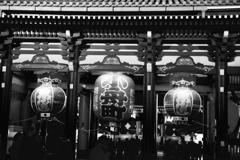 宵闇浅草寺