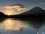 富士に寄り添う天使の翼