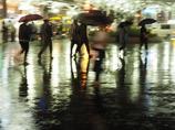 雨の奈良駅前04