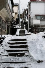 凍てつく階段