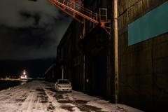 夜の倉庫・タグボートの帰還