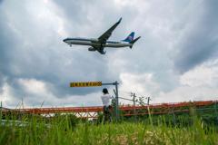 カメ師匠と飛行機と誘導橋と・・・