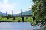 川と鉄橋と木