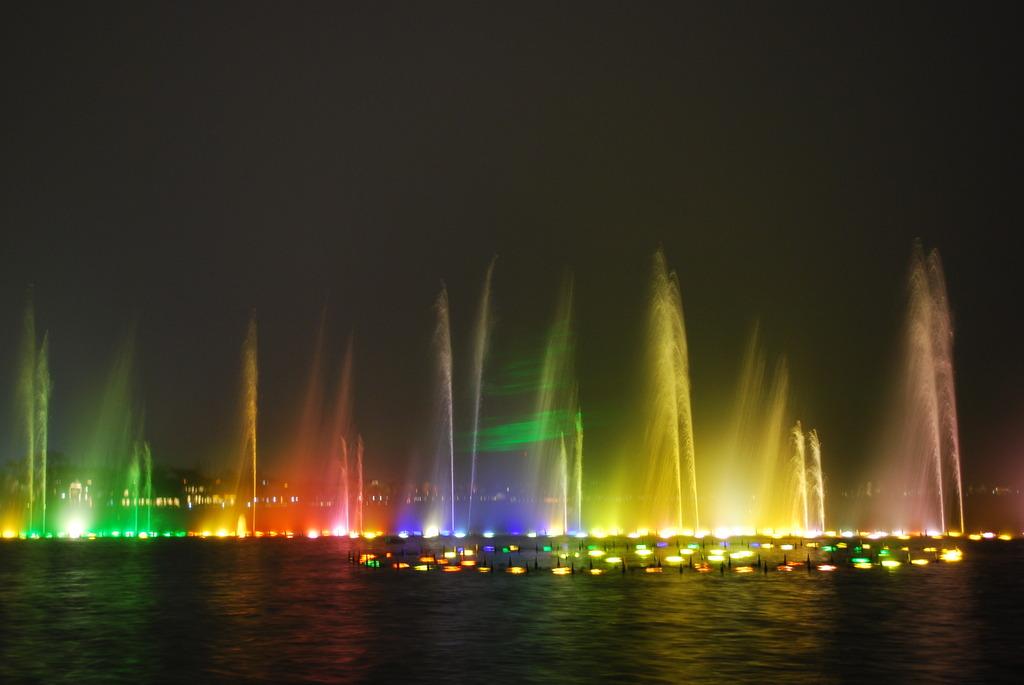 湖面の噴水ショー