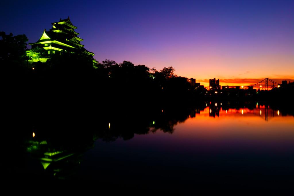 岡山城の夕暮れ
