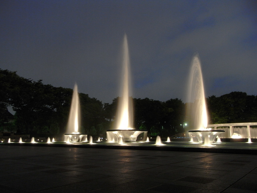 Wadakura Fountain Park 2
