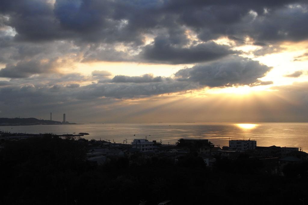 三浦海岸の朝日