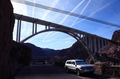ネバダ州とアリゾナ州を結ぶ橋