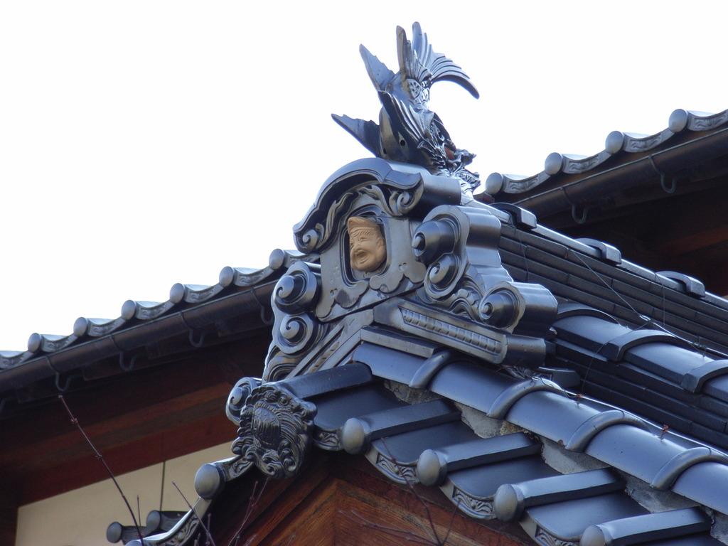 屋根の上には - 福の神