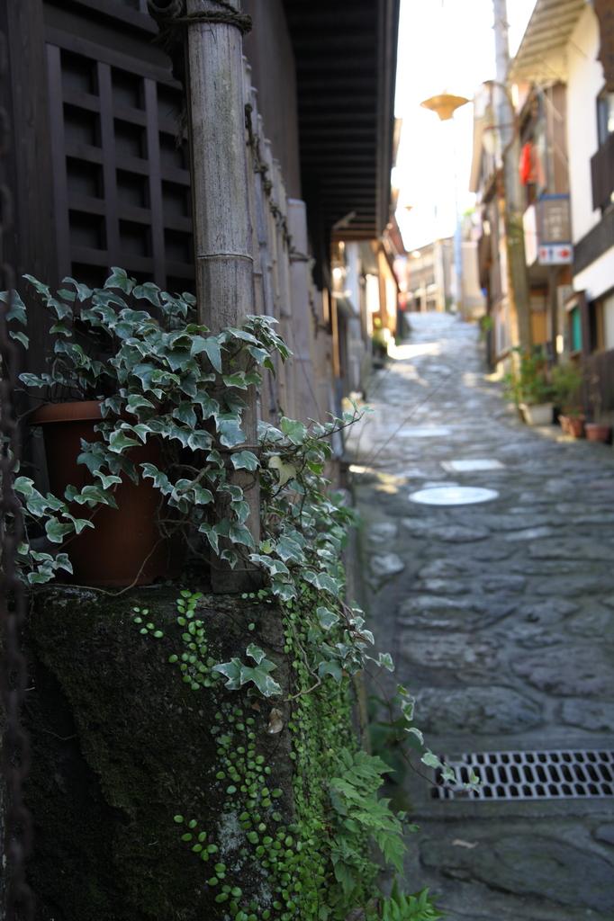 温泉街の坂