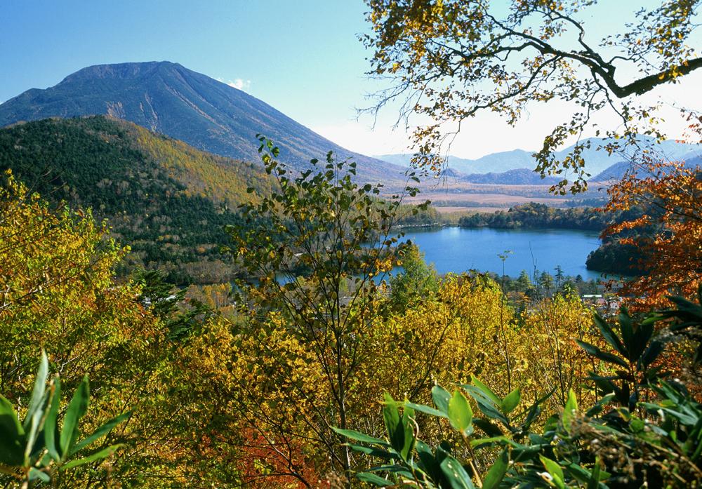 湯の湖を望む風景