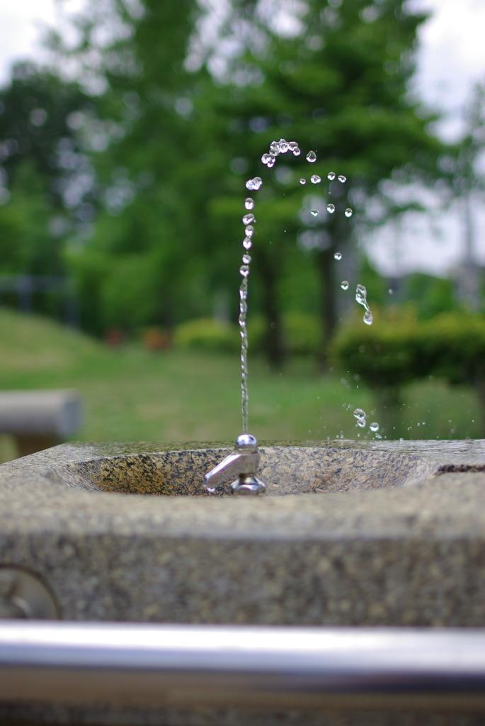 水のオブジェ