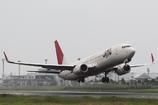 JAL B737-800 出雲から飛び立つ