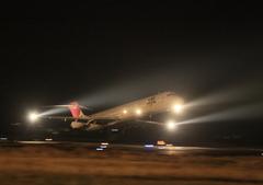 JAL  MD-90 夜間飛行のはじまり