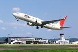 JAL B737-800 出雲を飛び立つ