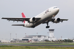 JAL A300-600R 出雲から飛び立つ
