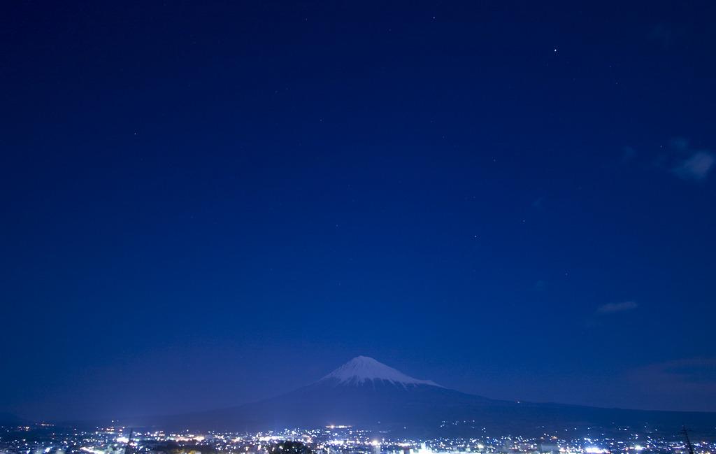 富士が見上げた夜空