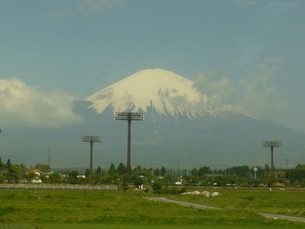 田舎道からの富士山