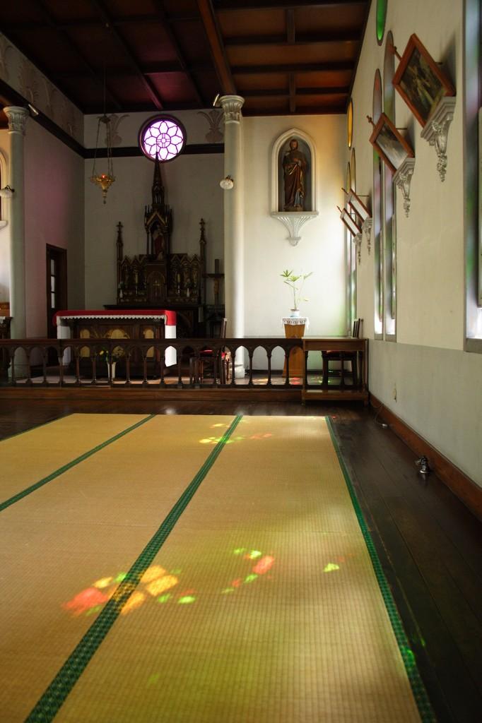 畳敷きの教会