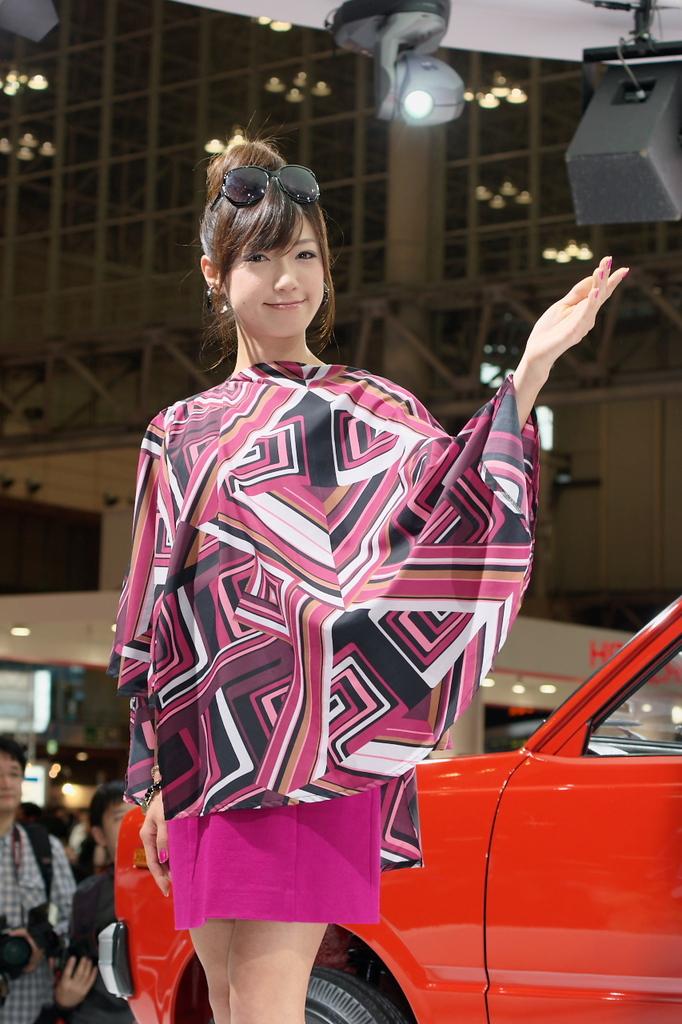 東京モーターショー2009-04-2 石井寛子さん