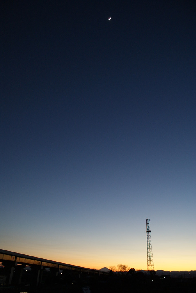 富士山と月と