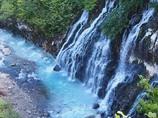秋近づく白ひげの滝