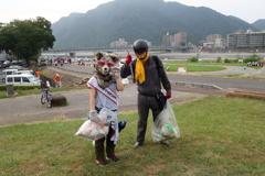 長良川花火大会跡の清掃