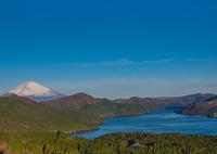 元箱根より朝の富士を望む