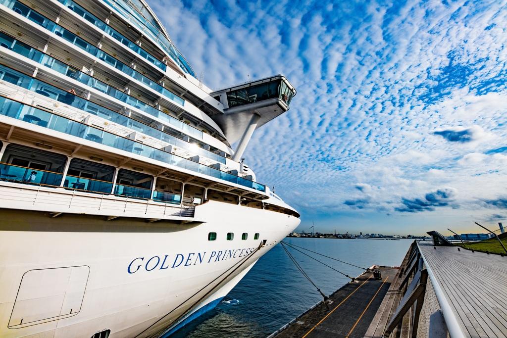 ゴールデン・プリンセス…この船は先端が美しい