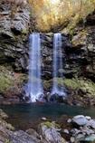 晩秋の夫婦滝