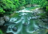 清流板取川の流れ