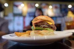 横須賀TSUNAMIのハンバーガー_2