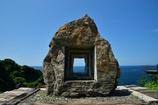 ランプの宿の石彫モニュメント