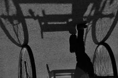 影の伴走者