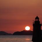 CANON Canon EOS-1Ds Mark IIIで撮影した(島影からの日の出)の写真(画像)